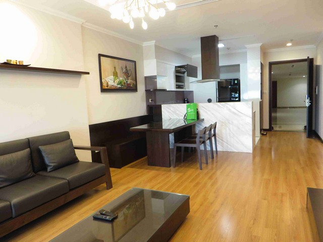 Glamorous condominium in Vinhome Nguyen Chi Thanh , Hanoi for lease