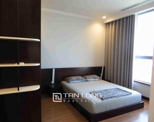Glamorous condominium in Vinhome Nguyen Chi Thanh , Hanoi for lease 10