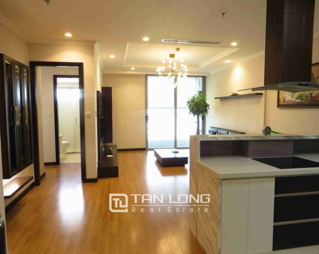 Glamorous condominium in Vinhome Nguyen Chi Thanh , Hanoi for lease 6