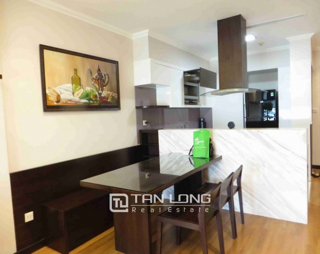Glamorous condominium in Vinhome Nguyen Chi Thanh , Hanoi for lease 7