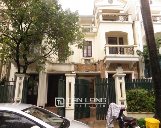 Glamorous villas in C2, ciputra, Tay ho dist for lease 1