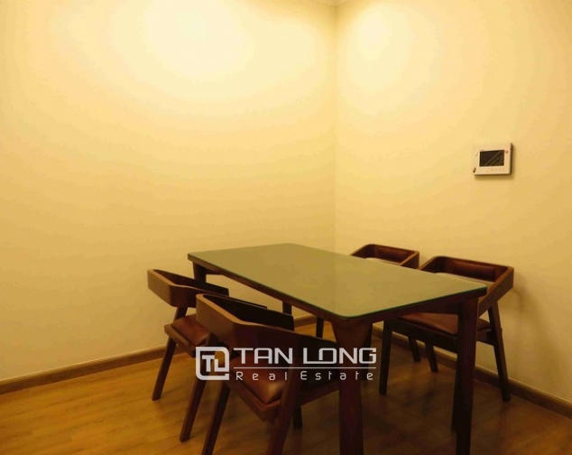 Glamorous Vinhome Nguyen Chi Thanh condominium , Dong Da dist, Hanoi for lease 5