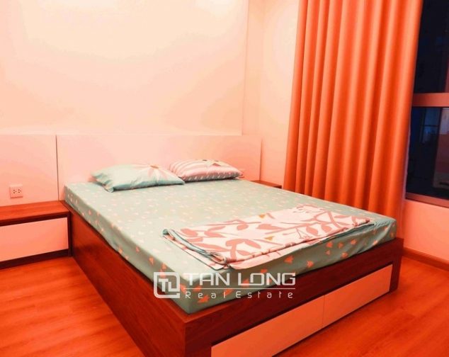 Glamorous Vinhome Nguyen Chi Thanh condominium , Dong Da dist, Hanoi for lease 8