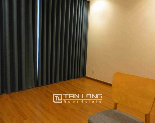 Glamorous Vinhome Nguyen Chi Thanh condominium , Dong Da dist, Hanoi for lease 4