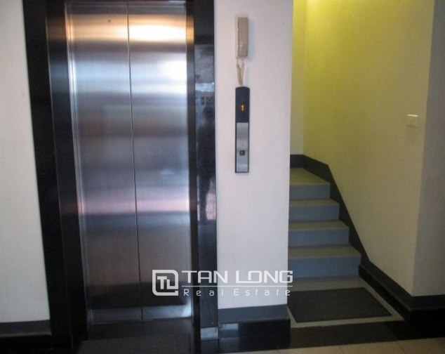 Glamorously serviced apartment in Ba Trieu street, Hoan Kiem dist for lease 1