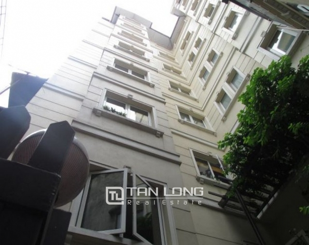 Glamorously serviced apartment in Ba Trieu street, Hoan Kiem dist for lease 2