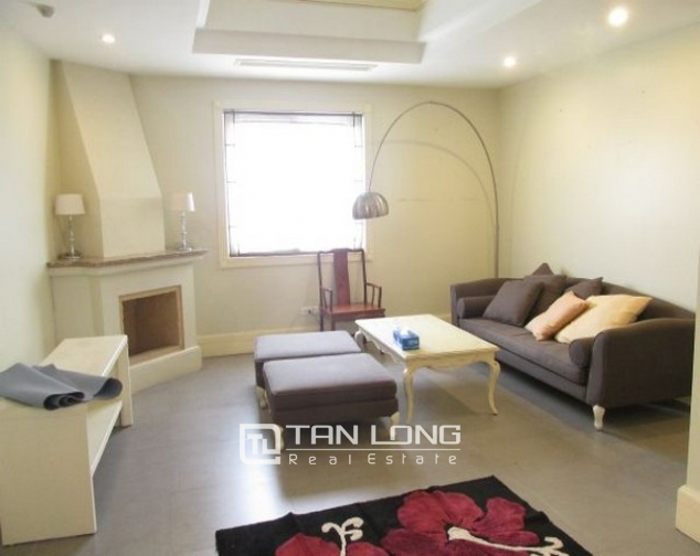 Glamorously serviced apartment in Ba Trieu street, Hoan Kiem dist for lease 3