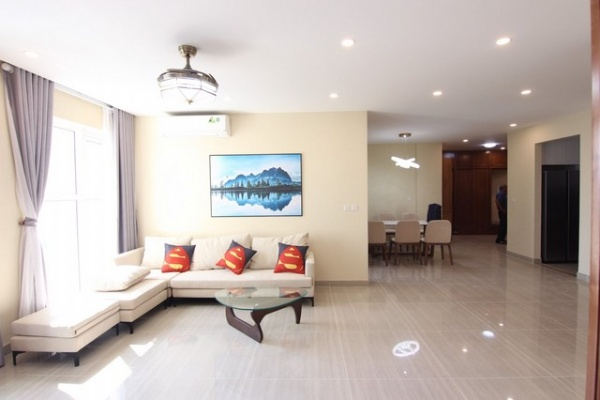 Golf view and modern apartment for rent in L3  tower The Link Ciputra