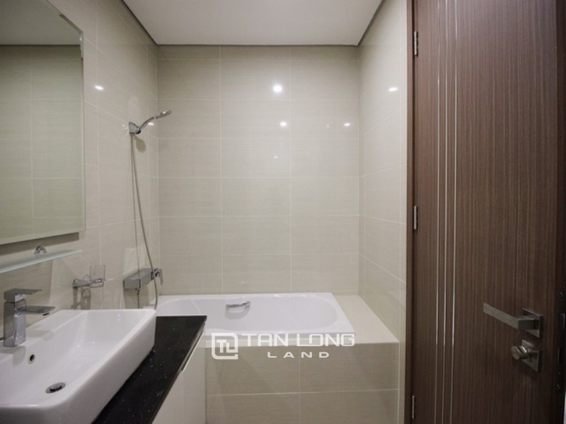 Golfview and modern 3 bedroom apartment for rent in L3 tower The Link Ciputra 1