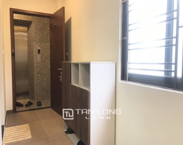 Good apartment for lease in Yen Phu Str, Tay Ho Distr 6