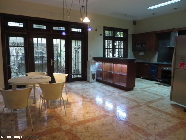 Good decoration 4 bedrooms villa for rent in D2 area Ciputra for rent 3