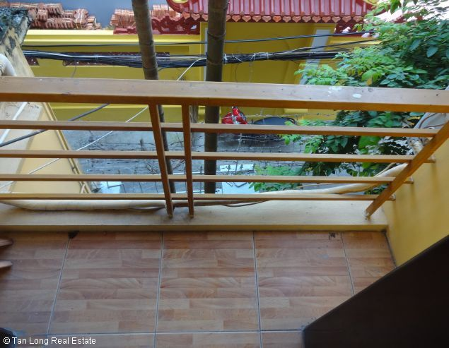 Good unfurnished three bedroom house in Xuan Dieu street Hanoi 10