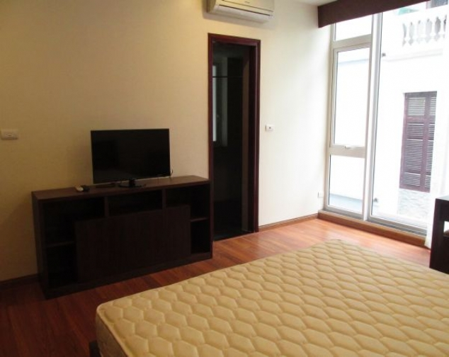Gorgeous 2 bedroom serviced apartment for lease in Yet Kieu, Hoan Kiem district 7