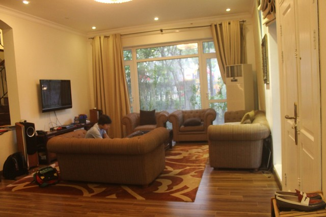 Gorgeous 6 bedroom villa for rent in T4, Ciputra