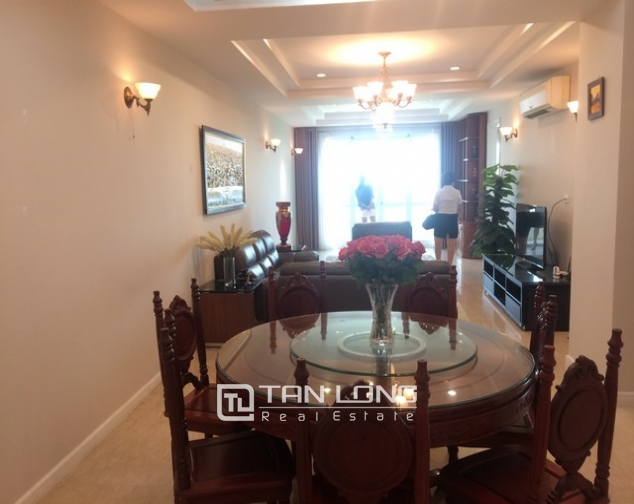 Gorgeous and modern 3 bedroom apartment for rent in P2 building, Ciputra. 2