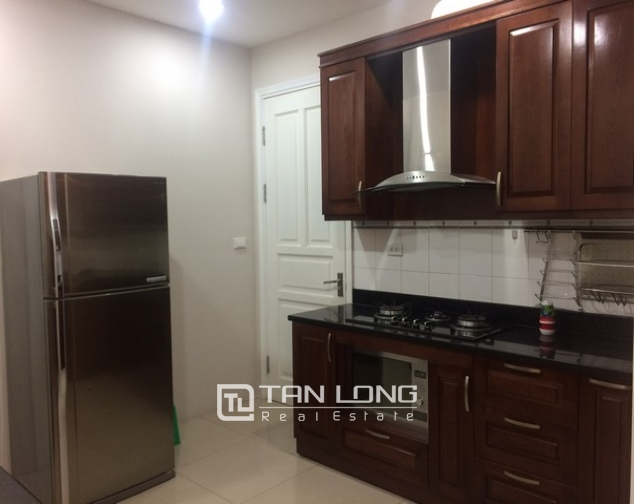 Gorgeous and modern 3 bedroom apartment for rent in P2 building, Ciputra. 4