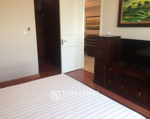 Gorgeous and modern 3 bedroom apartment for rent in P2 building, Ciputra. 8