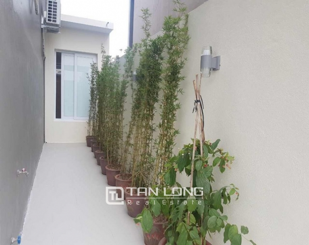 Gorgeous and modern 5 bedroom villa for rent in ciputra 2