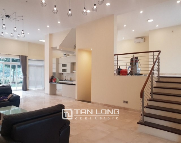 Gorgeous and modern 5 bedroom villa for rent in ciputra 3