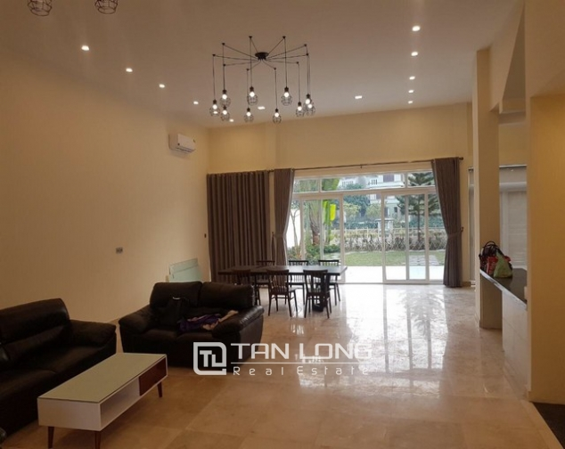Gorgeous and modern 5 bedroom villa for rent in ciputra 6