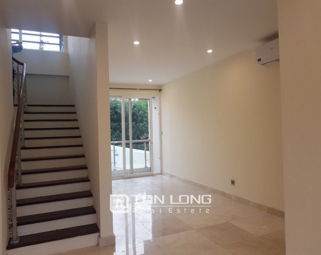 Gorgeous and modern 5 bedroom villa for rent in ciputra 7