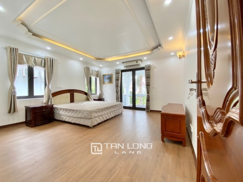 Gorgeous and spacious 5 bedroom villa for rent in T zone Ciputra Tay Ho Ha Noi 1