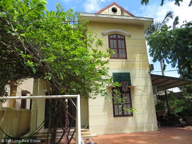 Green fully furnished 4 bedroom house to rent in Ngoc Thuy, Long Bien district 1