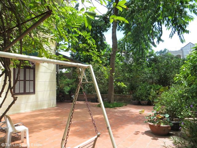 Green fully furnished 4 bedroom house to rent in Ngoc Thuy, Long Bien district 3