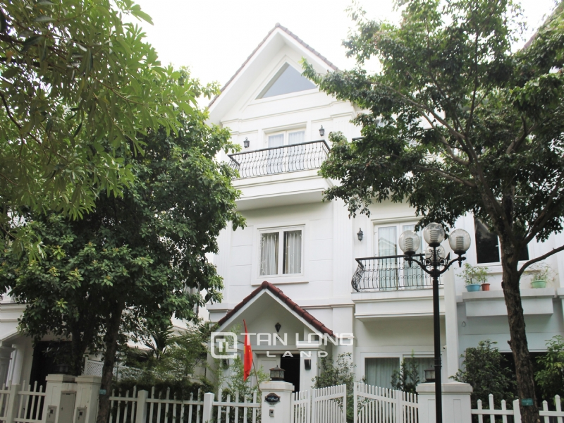 Hanoi Affordable Furnished 3 Bedrooms Duplex Villa in Vinhomes Riverside To Lease 3