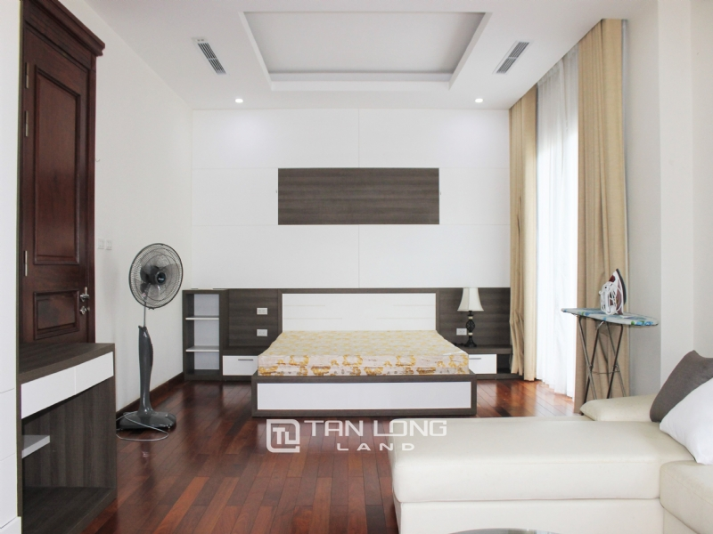 Hanoi Affordable Furnished 3 Bedrooms Duplex Villa in Vinhomes Riverside To Lease 5