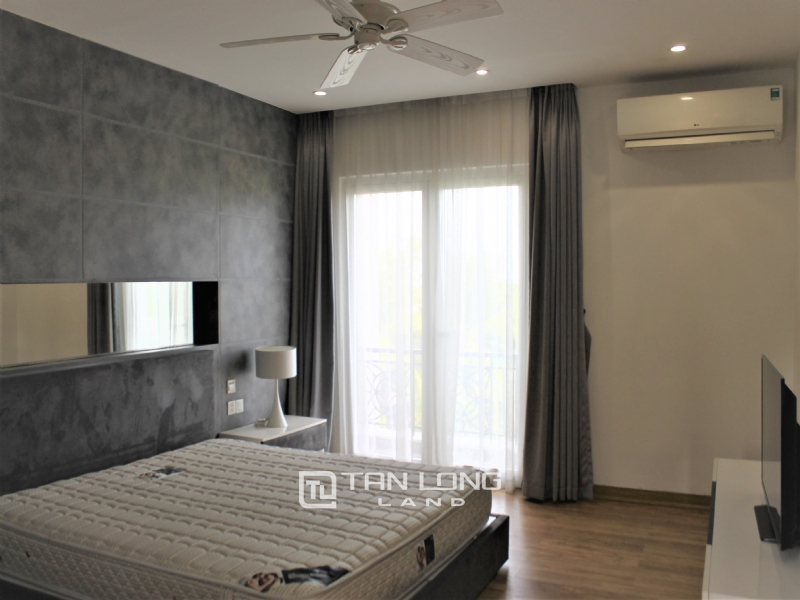 Hanoi affordable Furnished 4 Bedrooms Duplex Villa To Lease In Vinhomes Riverside 4
