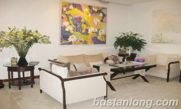 Hanoi apartment for rent at 249 Thuy Khue Tay Ho Hanoi
