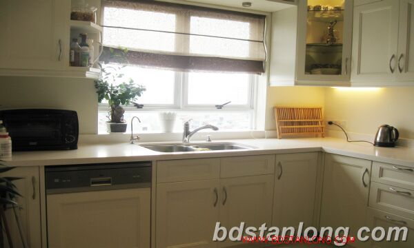Hanoi apartment for rent at 249 Thuy Khue Tay Ho Hanoi 4