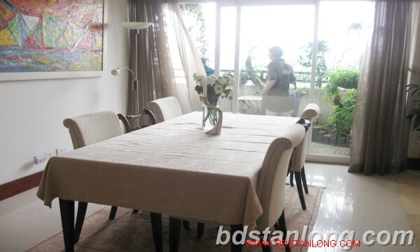 Hanoi apartment for rent at 249 Thuy Khue Tay Ho Hanoi 2