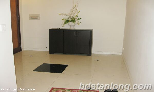 Hanoi apartment for rent in Ciputra, E5 building. 1
