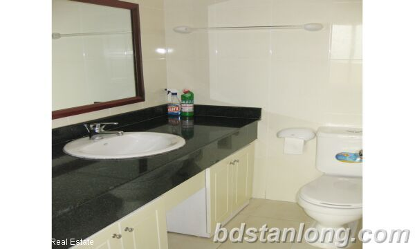 Hanoi apartment for rent in Ciputra, E5 building. 6