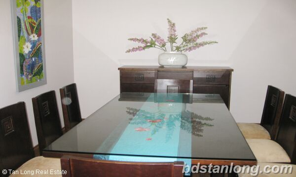 Hanoi apartments for rent at E4 Ciputra 3