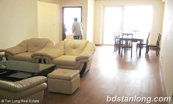 Hanoi apartments for rent in Trung Hoa Nhan Chinh urban 3