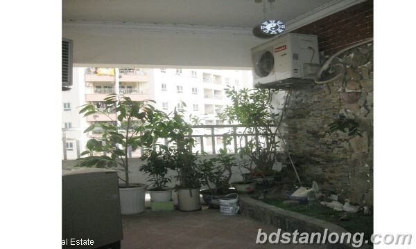 Hanoi apartments for rent in Trung Hoa urban 2