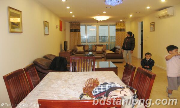 Hanoi Ciputra apartment for rent, P2 building 2