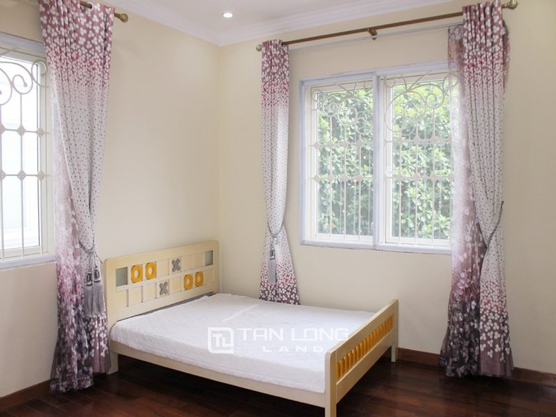 Hanoi Furnished 3 Bedrooms Duplex Villa To Lease at Vinhomes Riverside 8