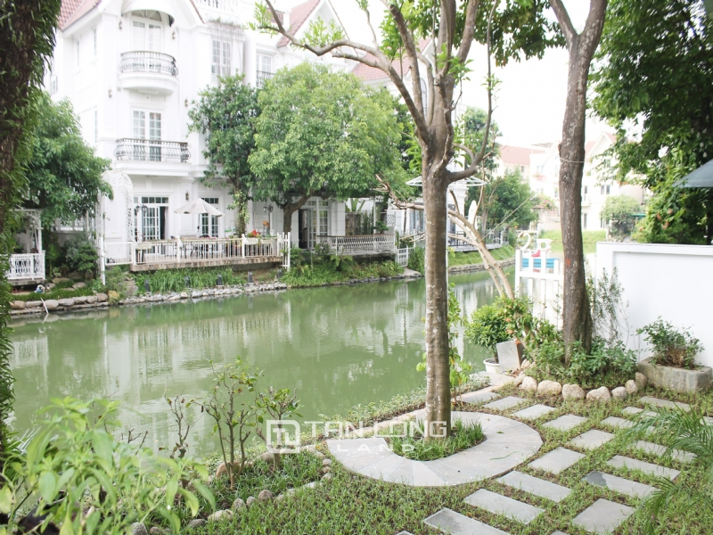 Hanoi Furnished 3 Bedrooms Duplex Villa To Lease at Vinhomes Riverside 10
