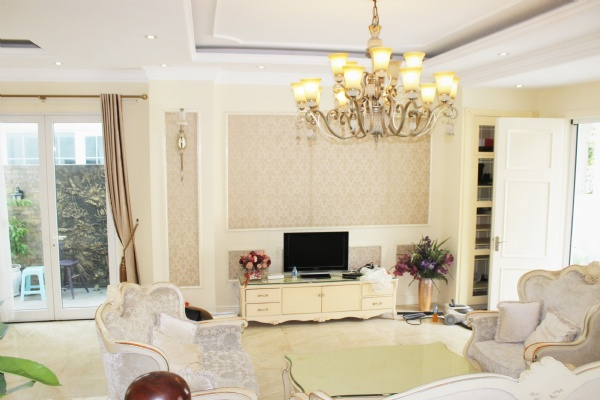 Hanoi Furnished 3 Bedrooms Duplex Villa To Lease at Vinhomes Riverside