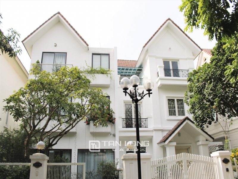 Hanoi Furnished 3 Bedrooms Duplex Villa To Lease at Vinhomes Riverside 17