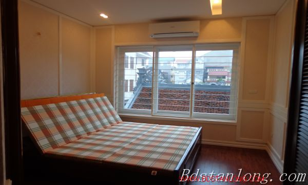 Hanoi house for lease in Xuan Dieu street 10