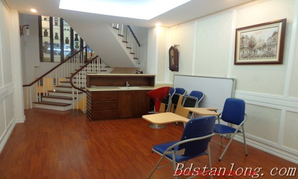 Hanoi house for lease in Xuan Dieu street 6