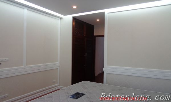 Hanoi house for lease in Xuan Dieu street 2