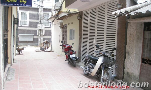 Hanoi house for rent in Nguyen Hoang Ton street, Tay Ho dist 1