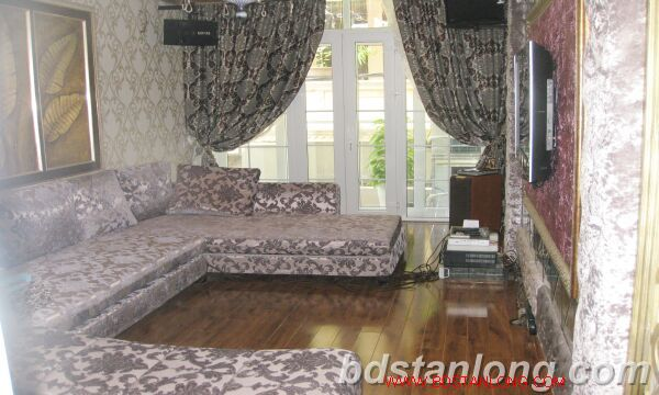 Hanoi house for rent in Nguyen Hoang Ton street, Tay Ho dist 6