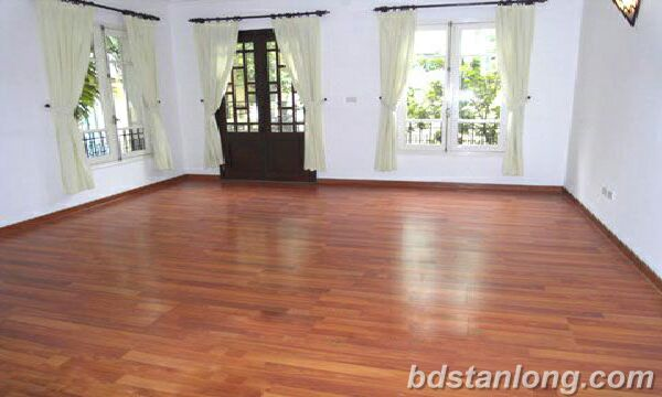 Hanoi houses for rent in Tay Ho area